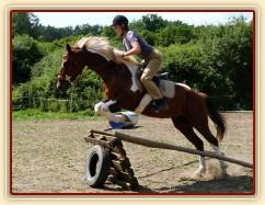 Červen 2010, trénink terénních skoků u nás v Újezdě