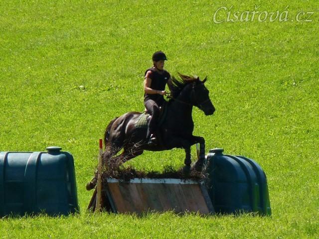 Carthago a skok přes áčko, Crossový trénink v Borové 29.8.