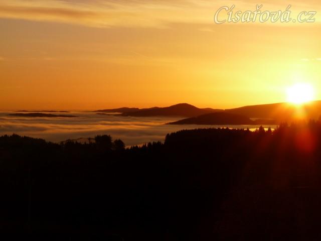 Podzimní východ slunce
